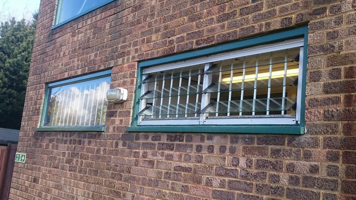 Security-Grilles-3-Stockwood-Golf