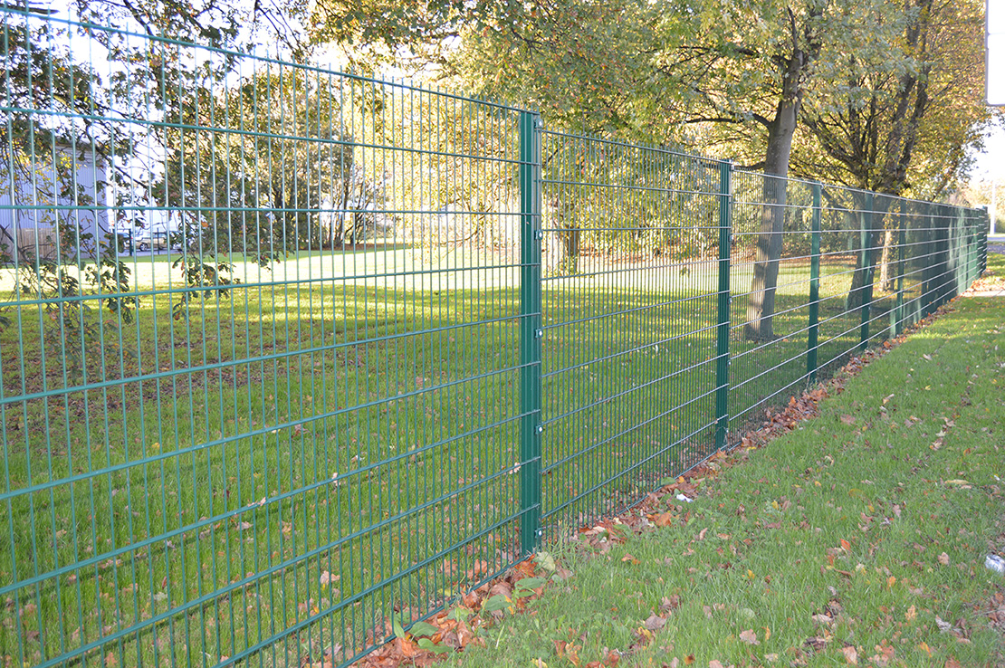 Green paramesh fencing
